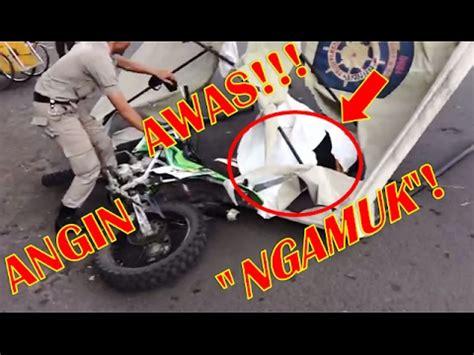 Kasur Angin Di Kota Malang detik detik angin ribut quot mengamuk quot di depan stasiun kota