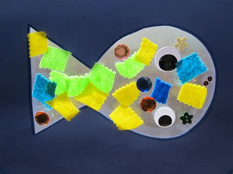 Construction Paper Crafts For Kindergarten - fish sun catcher craft no time for flash cards