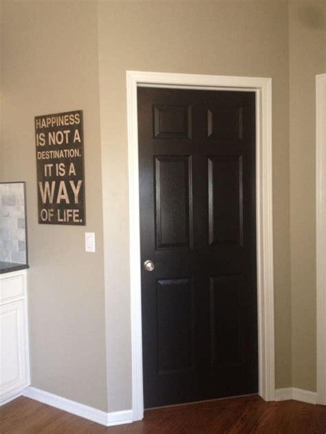 White Door Trim by Black Doors With White Trim Doors Windows