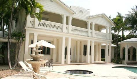 gloria estefan house exclusive gloria estefan s star island house for sale for 40 million