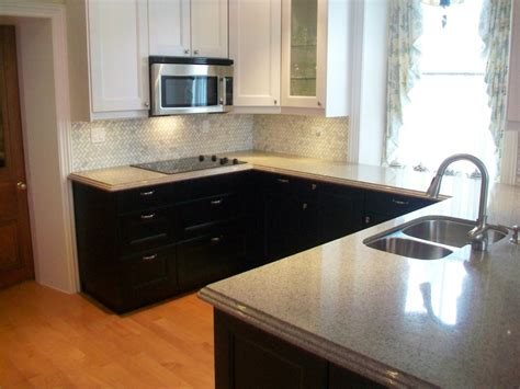 Two Tone Cabinets Kitchen Two Toned Kitchen Cabinets Black Myideasbedroom Com