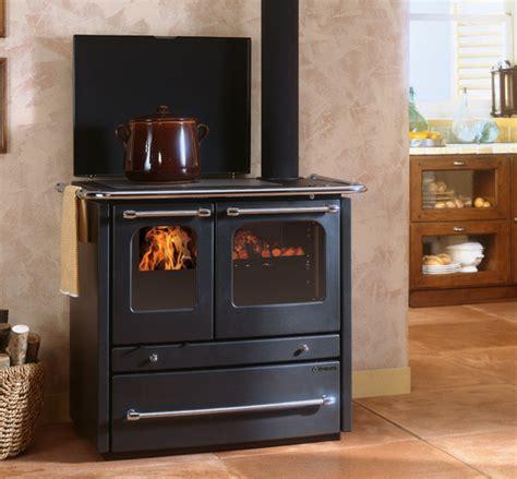 cucina nordica cucine a legna sovrana evo la nordica extraflame
