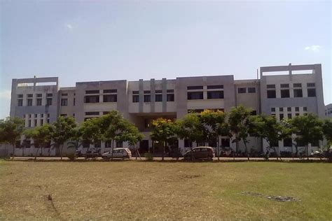 Mba Colleges In Bhilai by Shri Shankaracharya Institute Of Technology And Management
