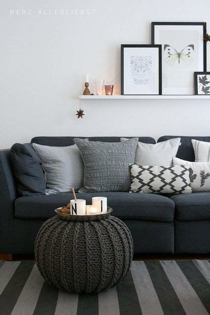 what color couch with grey walls 25 best ideas about dark gray sofa on pinterest gray
