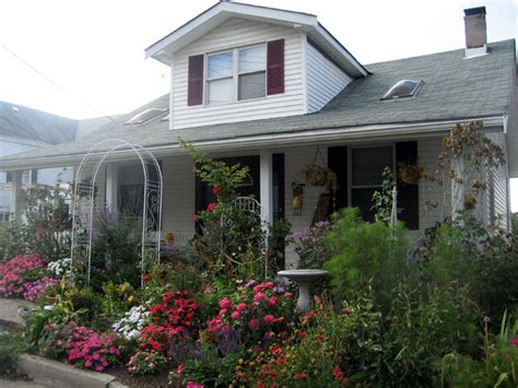 front cottage our favorite cottage gardens from rate my space diy