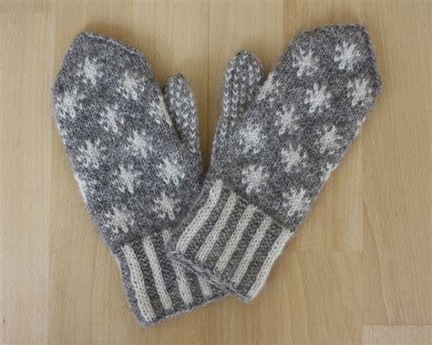 snowflake pattern knitted mittens snowflake mittens pattern by maschas maschen
