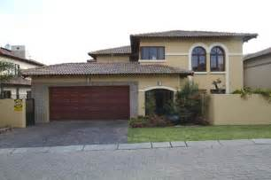 Banister Gate 4 Bedroom Double Storey House Security Estate For Sale