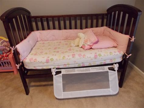 Dexbaby Safe Sleeper Convertible Crib Bed Rail White Dexbaby Safe Sleeper Convertible Crib Bed Rail White Childrens Bed Safety Rails