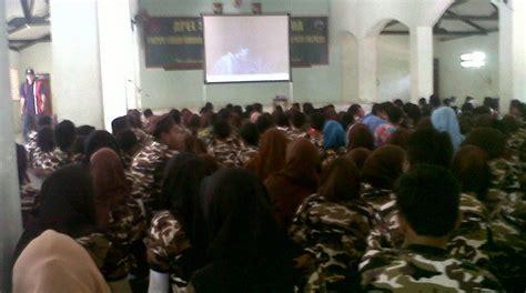 komentar film g 30 s pki ribuan orang tonton film g30s pki di kodim bangkalan
