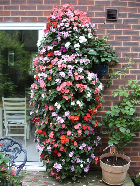 Flower Tower Freestanding Planter by Flower Tower Planter Canada 171 Margarite Gardens