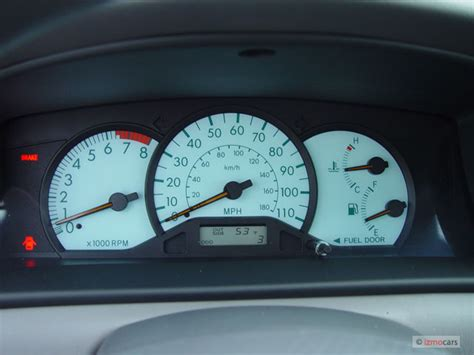 buy car manuals 2005 toyota corolla instrument cluster 2005 toyota corolla pictures photos gallery motorauthority