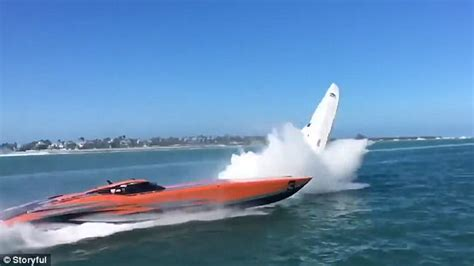 key west boat accident powerboat crashes during key west boat race daily mail