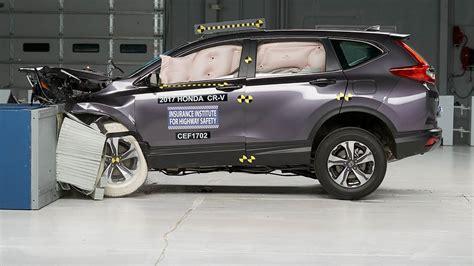 Honda Crv Crash Tests by 2017 Honda Cr V Moderate Overlap Iihs Crash Test