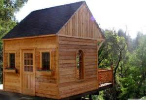 adorable tiny wooden cottages