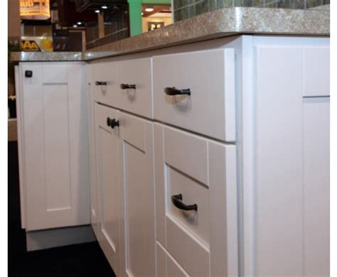 Pros Cons Of White Kitchen Cabinets Cs Hardware Blog Hardware For White Kitchen Cabinets