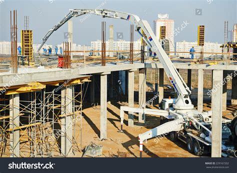 swing shutter concrete pump construction building works with automobile concrete pump