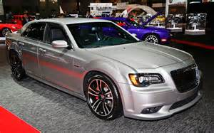 300 Chrysler Srt8 2013 Chrysler 300 Srt8 Front Three Quarter1 Photo 2