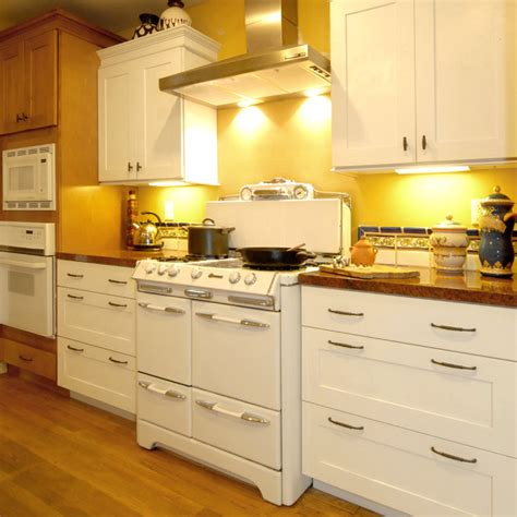 Heat Shields For Kitchen Cabinets by Meets New Mediterranean Kitchen Los Angeles By