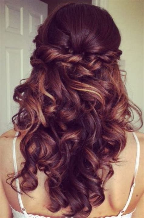 Elegant Curly Half Updo Prom Hairstyle With Bouncy Long
