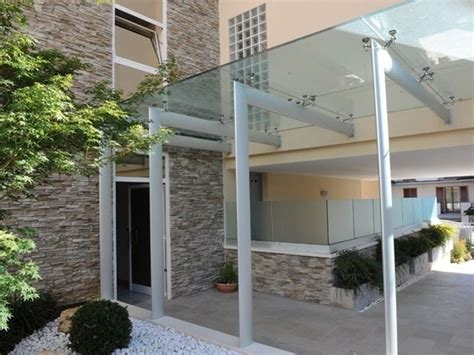 tettoie in vetro prezzi pensiline in vetro pergole tettoie giardino