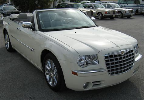 Chrysler 300 Convertible by File 2008 Chrysler 300 White Convertible In Florida Front