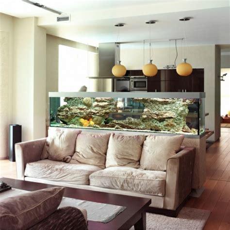 aquarium im wohnzimmer wundervolles k 252 chendesign mit aquarium das den ozean mit
