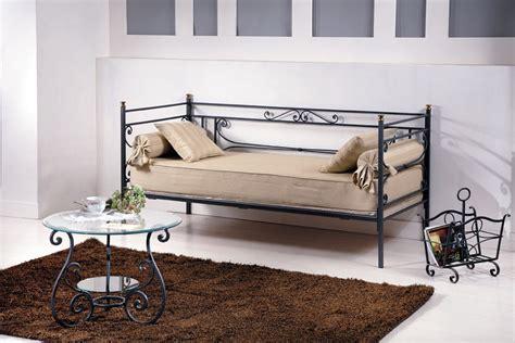divanetti in ferro battuto divani in ferro battuto cv