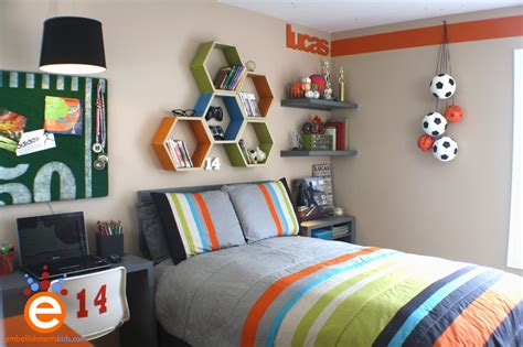 Soccer Bedrooms For by Embellishments Bedroom 300 00 Makeover Challenge Today S Creative