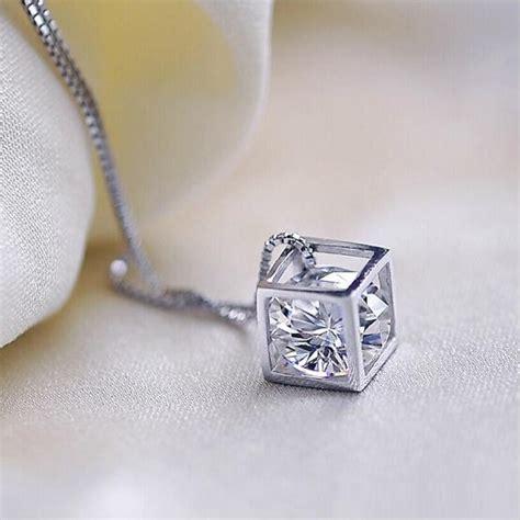 Kalung Berlian Imitasi Zircon Necklace 2 cube pendant swarovski zircon 925 sterling silver kalung cube white jakartanotebook