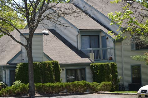Apartments For Rent In Mahwah Nj Pond Condos And Townhomes For Sale Or Rent In
