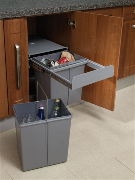 40cm Pull Out Waste Bin, 40 Litres, Soft Closing