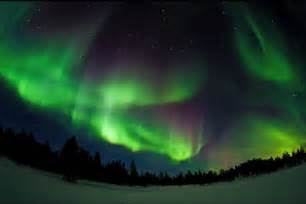 where to go to see lights northern lights visible from the uk tonight maybe
