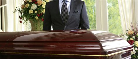 the difference between funeral director mortician and