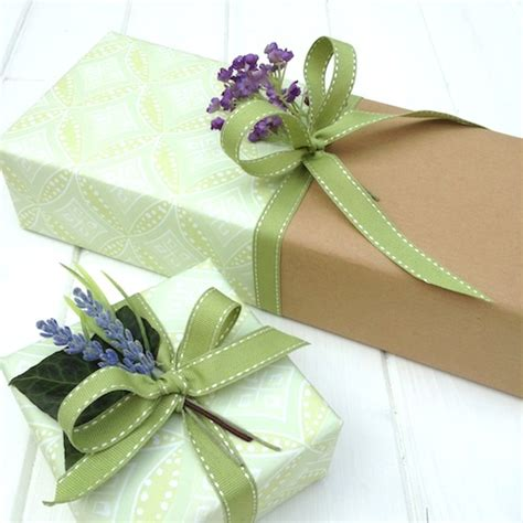 wrap gift 10 recycling eco friendly gift wrapping ideas means