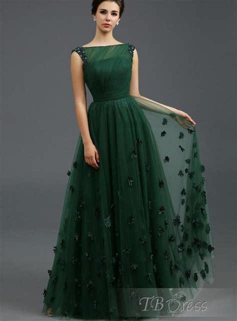 elbise modelleri nisan elbiseler uzun nisan elbisesi modelleri 2014 nişanlık uzun elbise modelleri bir kadın