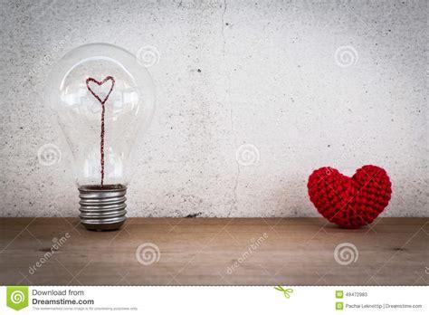 Le Filament by Oule Avec Le Filament En Forme De Coeur Et La Soie En
