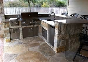 Small Outdoor Kitchen Design Best 25 Small Outdoor Kitchens Ideas On Outdoor Kitchens Outdoor Grill Area And