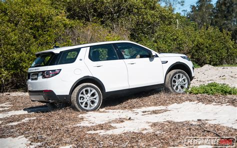 land rover discovery road 2017 land rover discovery sport hse td4 180 review