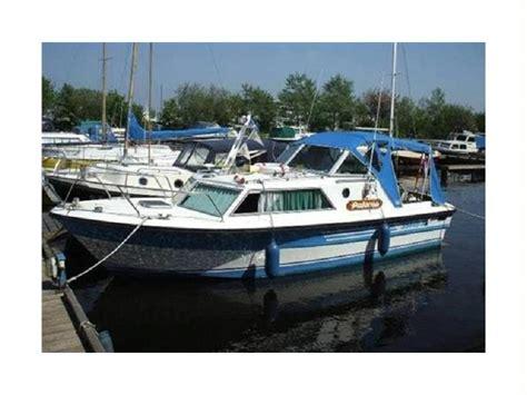 barche cabinate usate confident 800 in friesland imbarcazioni cabinate usate