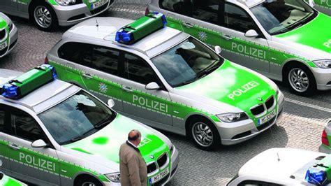 Auto Ummelden M Nchen by 50 Polizeiautos Kommen In Stade Unter Den Hammer