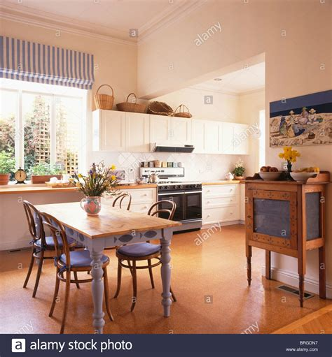 Kitchen Chairs Cork by Cork Flooring In Modern Kitchen Dining Room With Bentwood Chairs With Hwiki Us