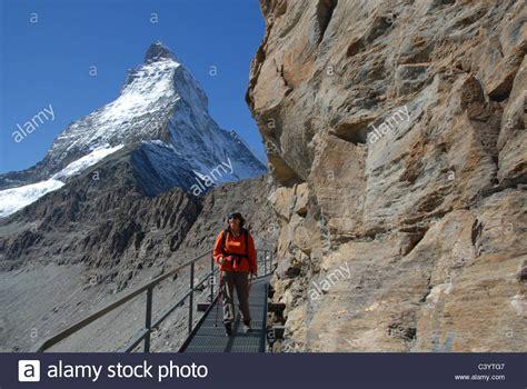 winterurlaub alpen hütte hornli hut matterhorn stockfotos hornli hut matterhorn