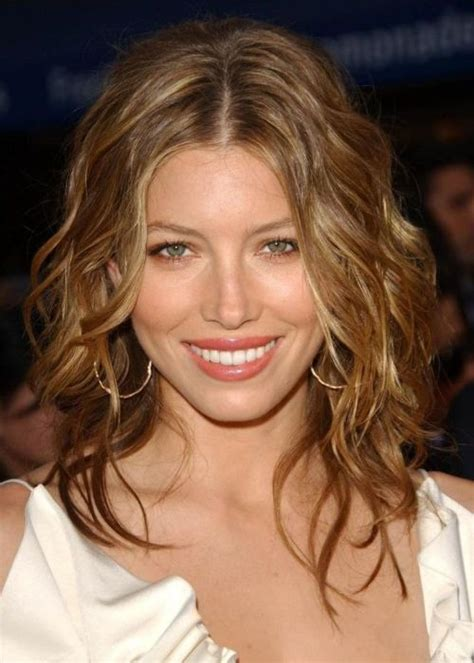 celebrities with long thin faces 29 best oblong face shape images on pinterest hair