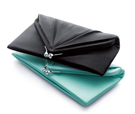 Can You Guess All Four Designer Clutches by 4 Least Expensive Yet Worthy Rakhi Return Gifts For