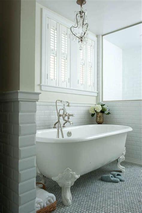 yellow clawfoot tub bathroom ideas pinterest best 25 clawfoot tubs ideas on pinterest clawfoot