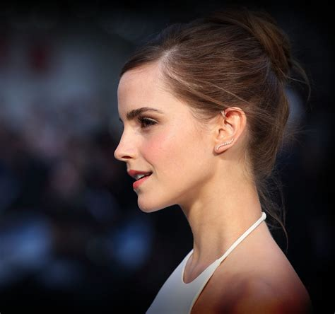 emma watson wiki indo pictures of emma watson with wedding hair at noah premiere