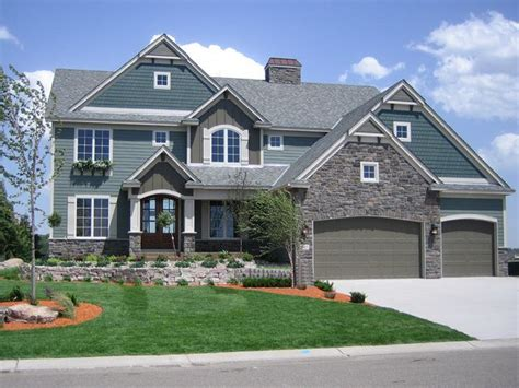 traditional two story house plans this 4 bedroom home features a large two story great room