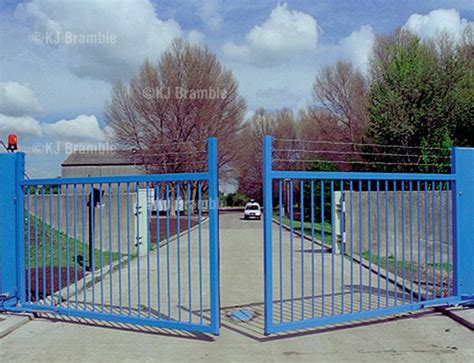 commercial swing gate commercial swing gates bing images