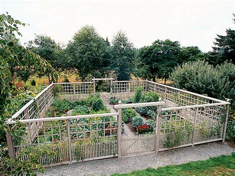 Awesome Vegetable Garden Fence : Fence Ideas   Ideas For