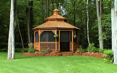 Amish Gazebos A Beautiful Screened Gazebo That Offers Solice And Peace